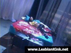 Lesbo sub in latex gets a penalty from her dominatrix