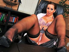 Youthfull buxomy brunette secretary gets penalized by boss in his offic