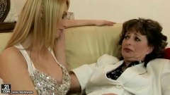 Grandma loves sapphic hookup with super hot doll
