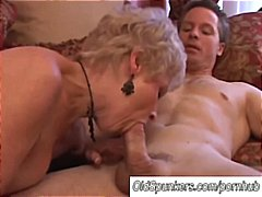 Spectacular cougar blows hard-on and munches jizz