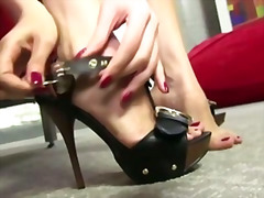 Brunette with a need for black penis between her toes