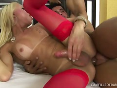 Blonde t-dame gets spunk covered twice