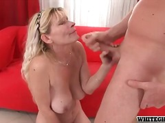 Mature blonde with lovely thick melons throating junior man rod