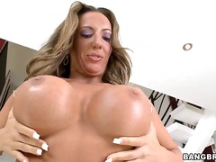 Fortunate porn starlet richelle ryan gets