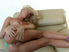 Blonde sandy likes feeling her raw slit getting pulverized by her rock-hard fucktoys