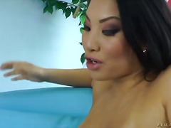 Asian porn queen asa akira in