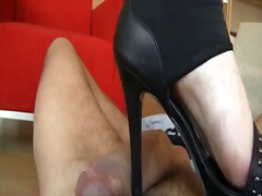 Pretty brunette female tyna drains while getting willing to be poundered by a ample man-meat
