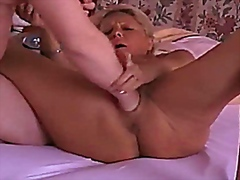 Going knuckle deep the wifes honeypot till she bursts in climax