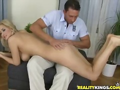 Carina gets her figure handled well by men