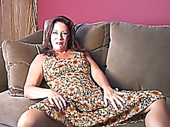 Mummy wank on sofa