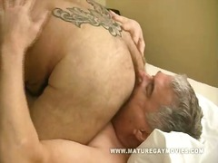 Rocking mature hunk smash his mate