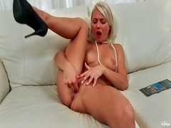 Pearls and high heels glance super hot on blonde dame
