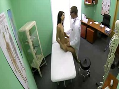 Steamy patient taking man sausage in honeypot from doctor