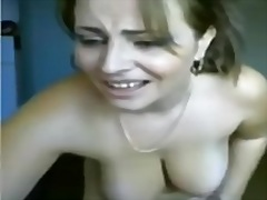 Mom is dancing on cam