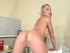 Shawna lenee with clean twat has dildo-hungry cunt