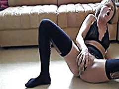 Insane skinny girl fucks herself with shoe and can