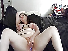 Chubby trusses her breasts and cums hard - negrofloripa
